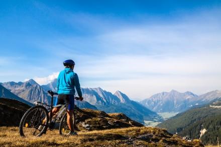 (Français) Montagne et tourisme durable : Nomadéis lance une nouvelle offre de services pour aider les territoires et leurs acteurs à renforcer leur résilience…